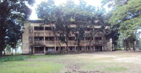 জগন্নাথপুরে নামে সরকারি কলেজ, সুযোগ-সুবিধা বেসরকারি