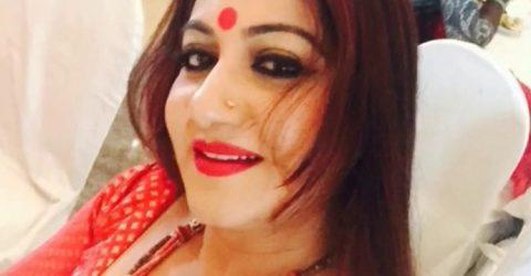 চলচ্চিত্র অভিনেত্রী আঞ্জুমান আরা শিল্পী সপরিবারে করোনায় আক্রান্ত