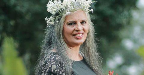 রজনী চ্যান্ডি: ৬৯ বছর বয়সী আবেদনময়ী যুবতী