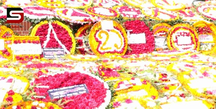 ভাষা শহীদদের প্রতি শ্রদ্ধা জানাতে সিলেটের কেন্দ্রীয় শহীদ মিনারে লাখো মানুষের ঢল