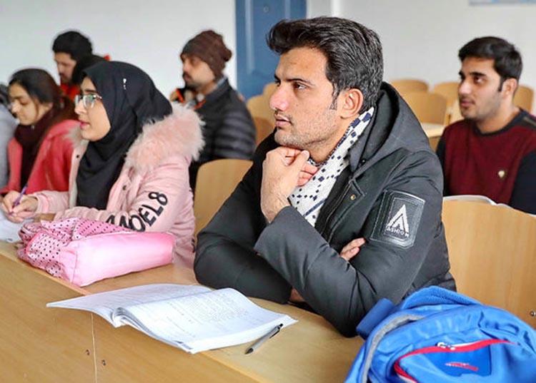 পাকিস্তানি শিক্ষার্থীদের  অনিশ্চিত শিক্ষা জীবন চীনে