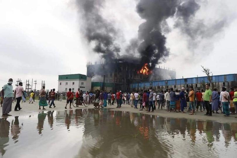 রূপগঞ্জের কারখানায় ভয়াবহ অগ্নিকাণ্ডে ৫২ জন নিহত