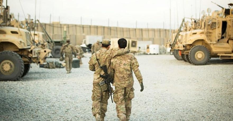 কয়েক হাজার আফগানকে নিয়ে যাচ্ছে যুক্তরাষ্ট্র