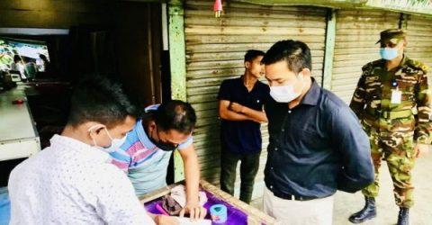 জগন্নাথপুরে দোকান খোলা রেখে পালালেন ব্যবসায়ীরা